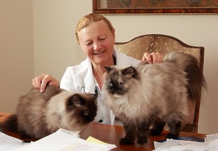 Dr. Anne Barns, DVM